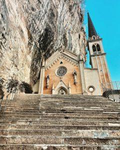 Madonna della Corona somewhere between heaven and earth