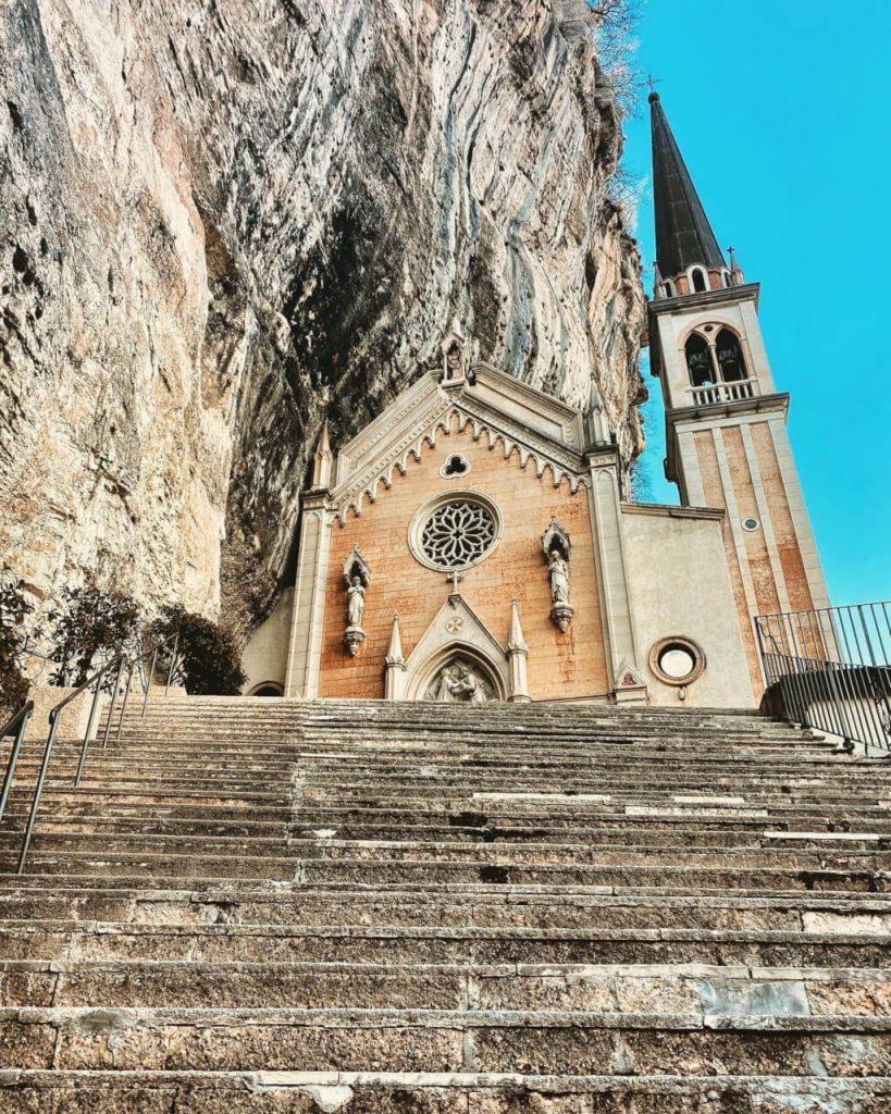Madonna della Corona: sospesa tra cielo e terra