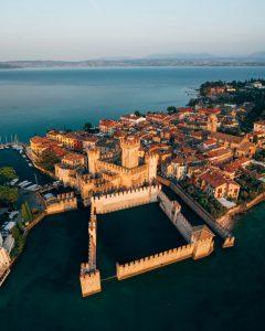 El imponente Castillo Scaligero - Sirmione